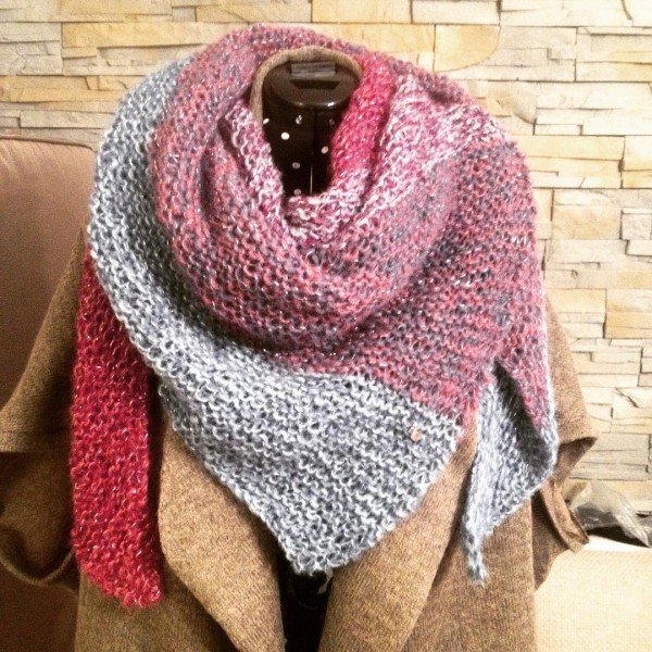 Cant stop to knit these scarfs! This one is forhellip